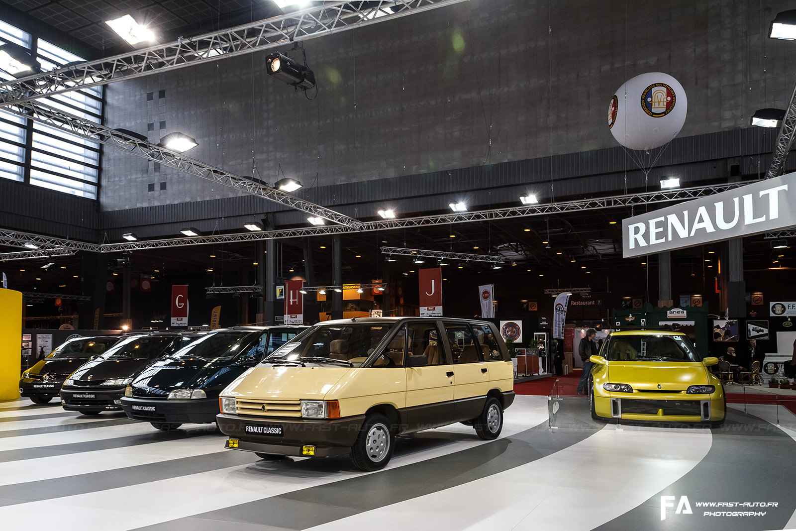 salon retromobile fevrier 2014 renault espace retromobile 2014 paris. Black Bedroom Furniture Sets. Home Design Ideas
